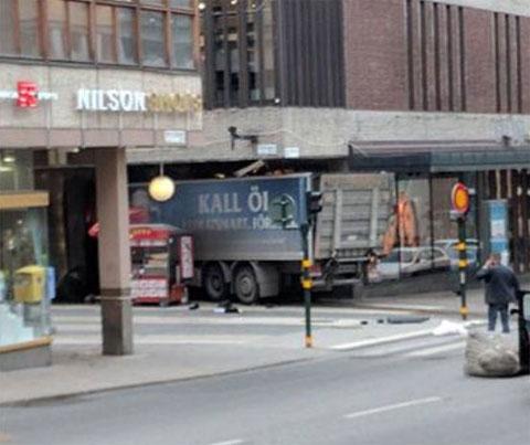 isveç kamyon saldırısı ile ilgili görsel sonucu