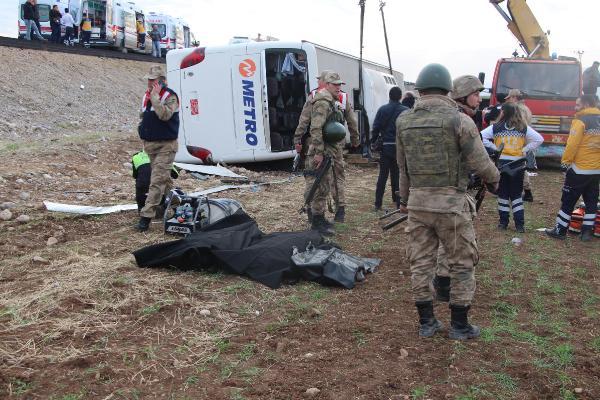Son dakika... Silopi yakınlarında feci kaza! Çok sayıda ölü ve yaralı var...