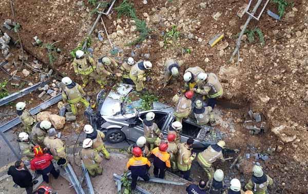Son dakika... Kayaşehir'de istinat duvarı çöktü! Bir kişi hayatını kaybetti