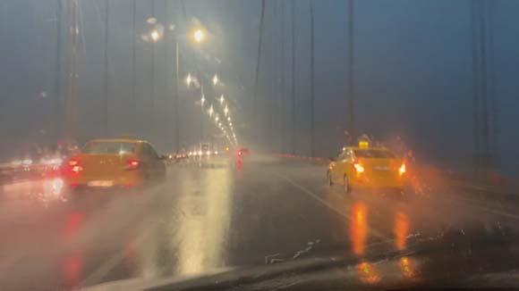 Son dakika... İstanbul'da sağanak yağış!