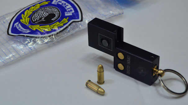 Ankara'da 'anahtarlık tabanca' ele geçirildi