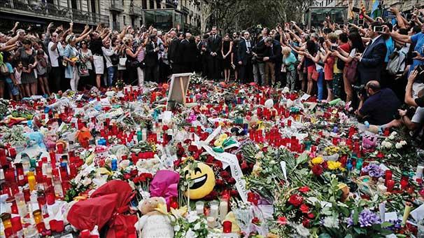 Barselona'daki terör saldırılarının kurbanları anıldı