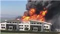 Son dakika... İstanbul'da korkutan fabrika yangını! Patlamalar yaşanıyor...