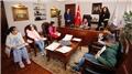 Bakan Dönmez, koltuğunu ilkokul öğrencisi Mustafa'ya devretti