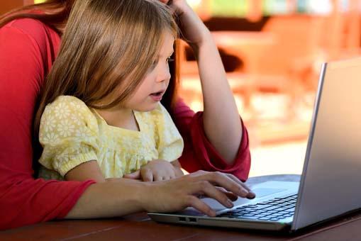 'Çocuklarınız iki saatte bir elektronik cihaz kullanımına ara versin'