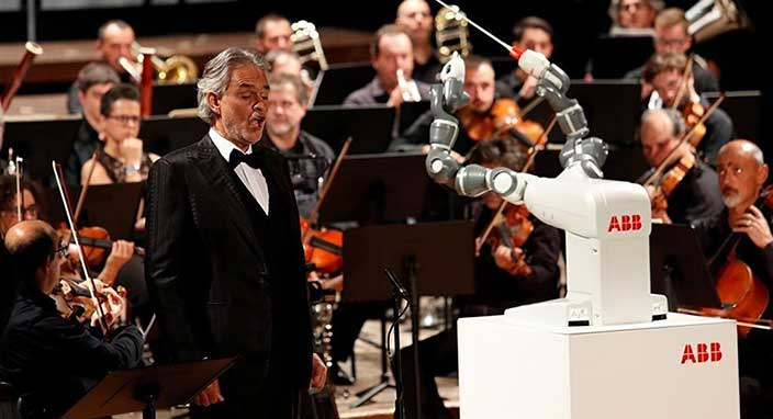 Yapay zeka filarmoni orkestrasını yönetti