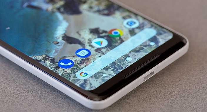 Google, Pixel 2'ye kablosuz şarj özelliği getirmeyerek büyük bir hata mı yaptı?