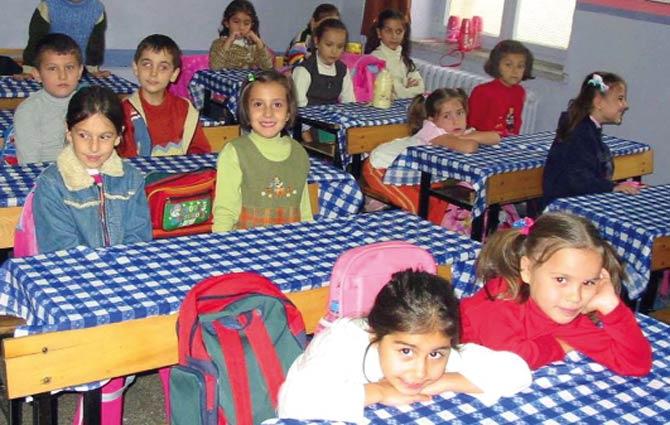 Bakanlıktan 'okulda serbest kıyafet' anketi