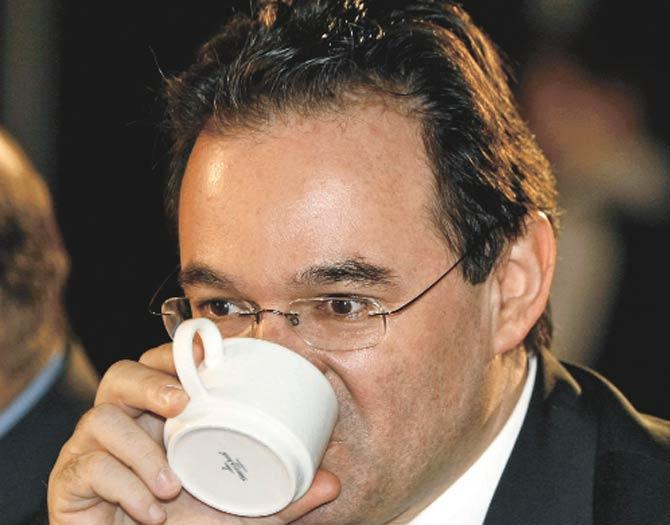 Yunanistan'ın içtiği kahvenin tadı acı