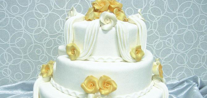 Düğün pastaları bu sene bol çiçekli