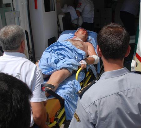 Tabancayla oynayan 7 yaşındaki yeğeni, başkomiseri yaraladı
