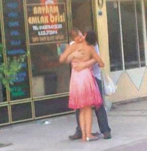 Sokak Ortasında Seviştiler