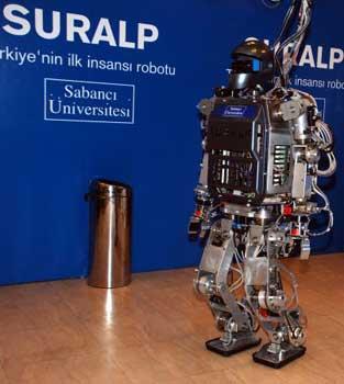 Türkiyenin ilk insansý robotu SURALP