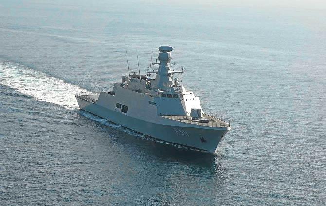 Türkiye'nin ilk milli savaş gemisi seyirde