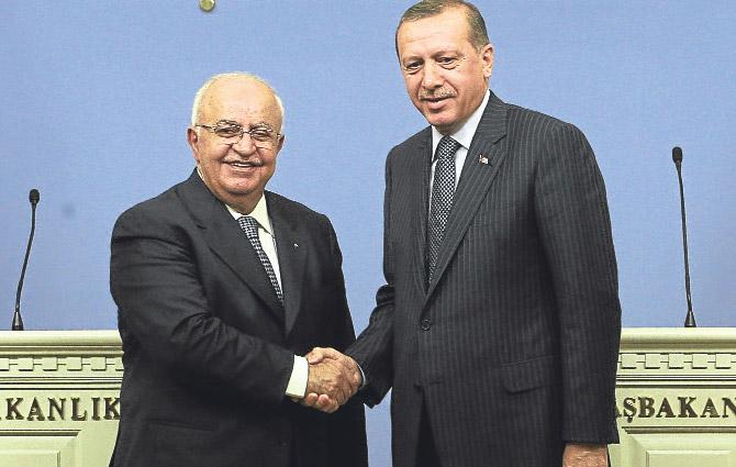 Suriye Başbakanı 13 bakanıyla geldi