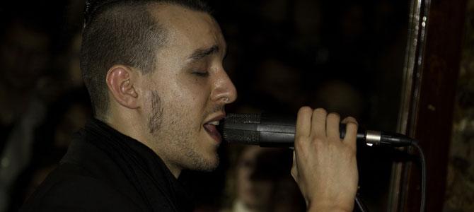 http://i.milliyet.com.tr/YeniAnaResim/2010/12/23/cem-adrian-buyuledi--1046334.Jpeg