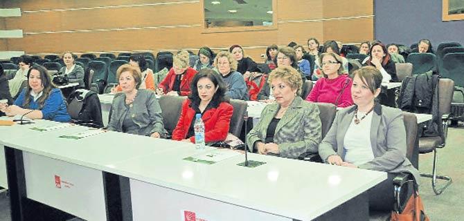 Kadınlar siyaset için dersbaşı yaptı