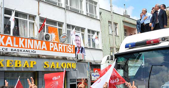 Konyada AK Partilileri selamladı!