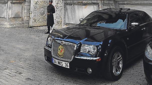 Saltanat tuğralı araba ödünçmüş