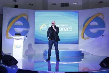 Bedük'ün interaktif klibi, Internet Explorer 9 farkıyla