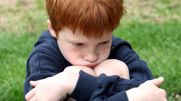 Çocuğun suskun sesi. Nedenleri ve çözümleri
