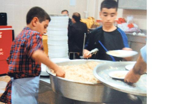 'Depremzede çocuklar çalıştırılıyor'