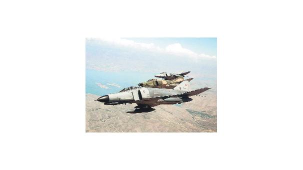 'Türk uçağını Suriye düşürdü'