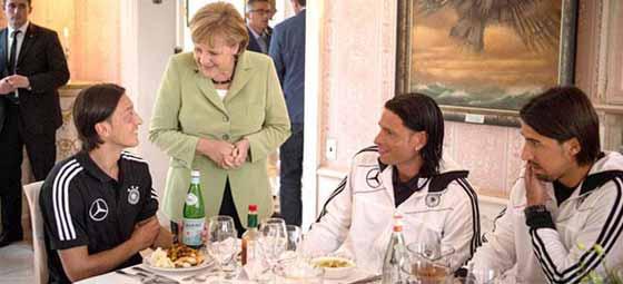 Merkelden Mesuta: Senin hayranınım...