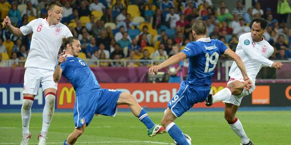 Son yarı finalist İtalya!