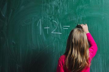 Okula erken başlamak hem öğrenciyi hem öğretmeni etkiliyor!