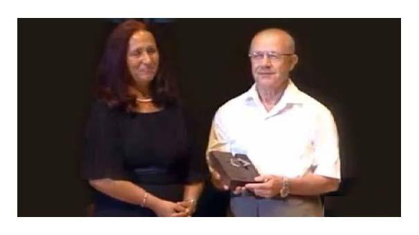 Hrant Dink ödülü İsmail Beşikçi'ye