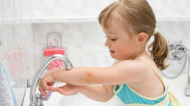 Çocuklara el yıkama alışkanlığı kazandırılmalı
