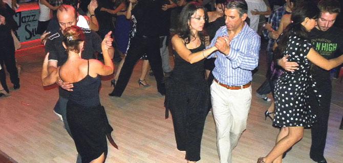 Tangonun ateşi  SKSF'de yükseliyor