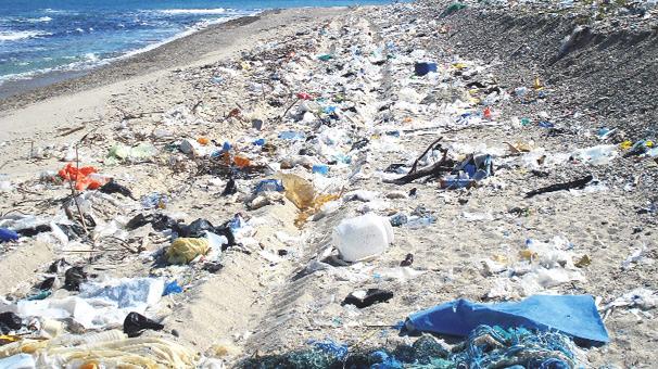 Batı Karadeniz'den 25 ülkenin çöpü çıktı