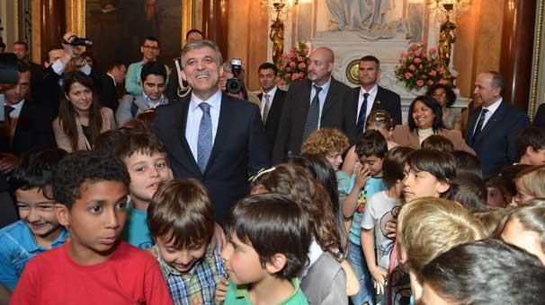 Gül'e Portekiz'de Türkçe sürprizi