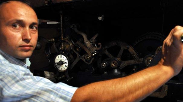 Balıkesir'deki Koca Saat 186 yıldır çalışıyor