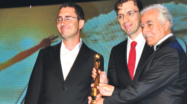 Koza'yı iki film kazandı