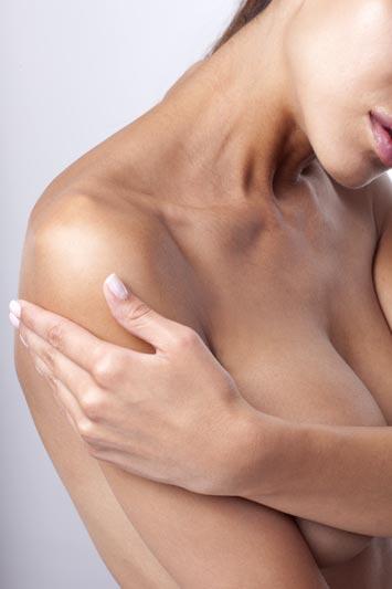 Sarkan göğüsler Mastopexy ile eski formuna kavuşuyor