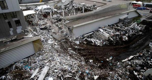 Marketin çatısı çöktü, Başbakan istifa etti