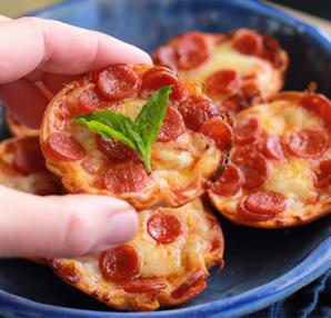 Pratik mini pizzalar