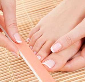 Bacaklardaki tırnak mantarı için çareler: tedavi ve önleme