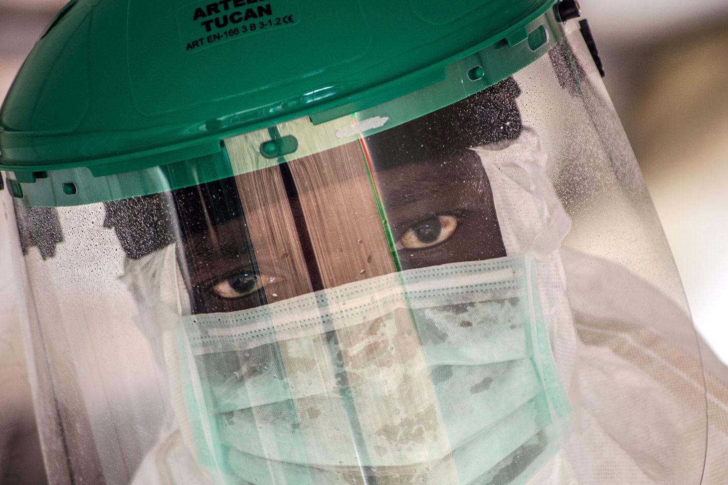 Ebola Hastalığı Belirtileri ve Tedavisi