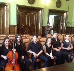 Genç müzisyenler Bulgaristan'dan ödüllerle döndü