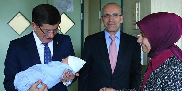 Davutoğlu'ndan, Bakan Şimşek'e ziyaret haberi