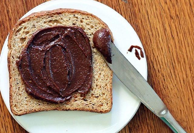 Evde Kahvaltılık Çikolata Yapımı
