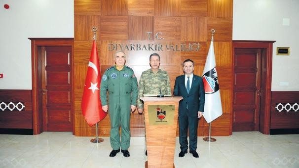 Orgeneral Akar Diyarbakır'ı ziyaret etti