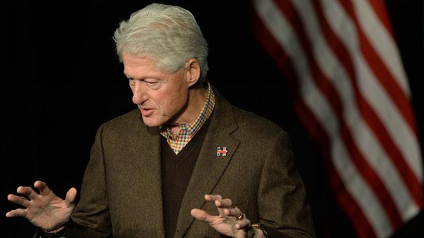 Bill Clinton yeniden meydanlara indi