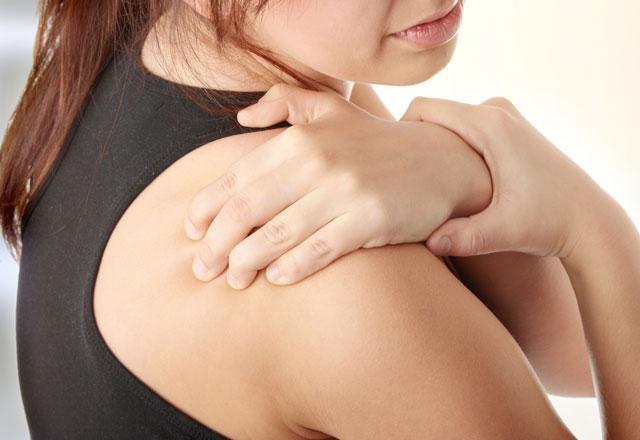 Köprücük kemiğindeki ağrının ana nedenleri