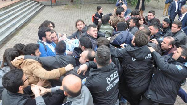 KTÜ'de Ensar Vakfı protestosu arbedesi: 22 öğrenci gözaltına alındı