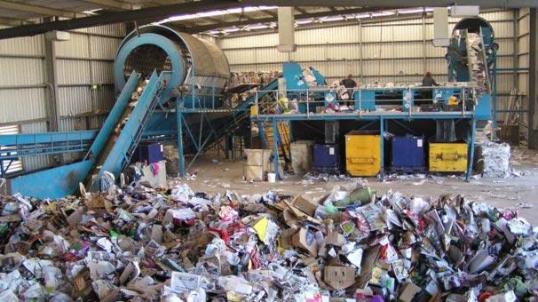 Çöp geri dönüştü, ekonomiye 422 milyon katkı sağladı